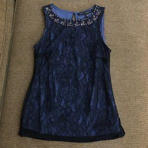 White House black market top w/ black lace XXS